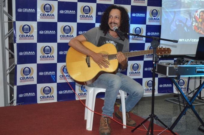 Cantor_Ramirez_se_apresenta_no_palco_do_Ceuma_Cultural