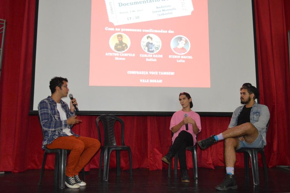 Mediador Emmanuel Menezes, membro da LAJOR junto com Stenio Maciel, um dos participantes do documentário e o diretor Ayrton Bastos (2)