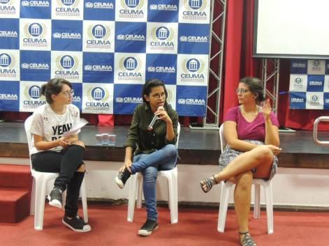 Andréia Costa (ao centro) falou sobre o Projeto Ela Faz